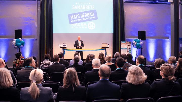 Mats Gerdau, kommunstyrelsens ordförande talar